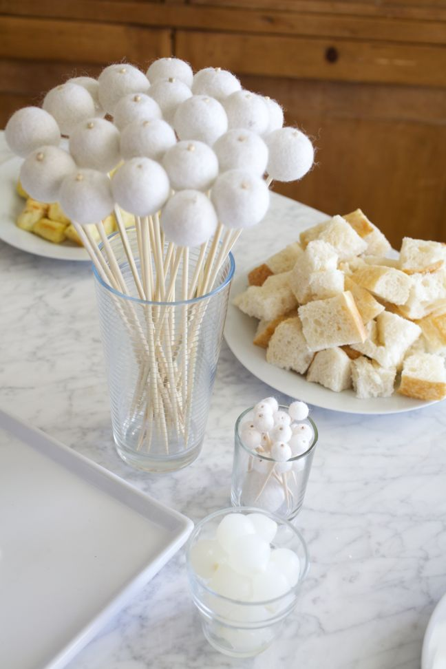 How To Throw A Winter White Gingerbread Decorating Party