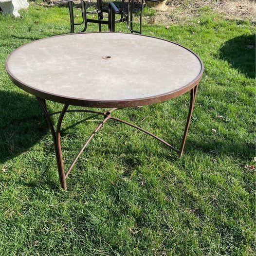 48 round patio table