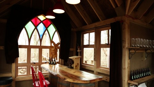 Ohio brewery treehouse (interior)