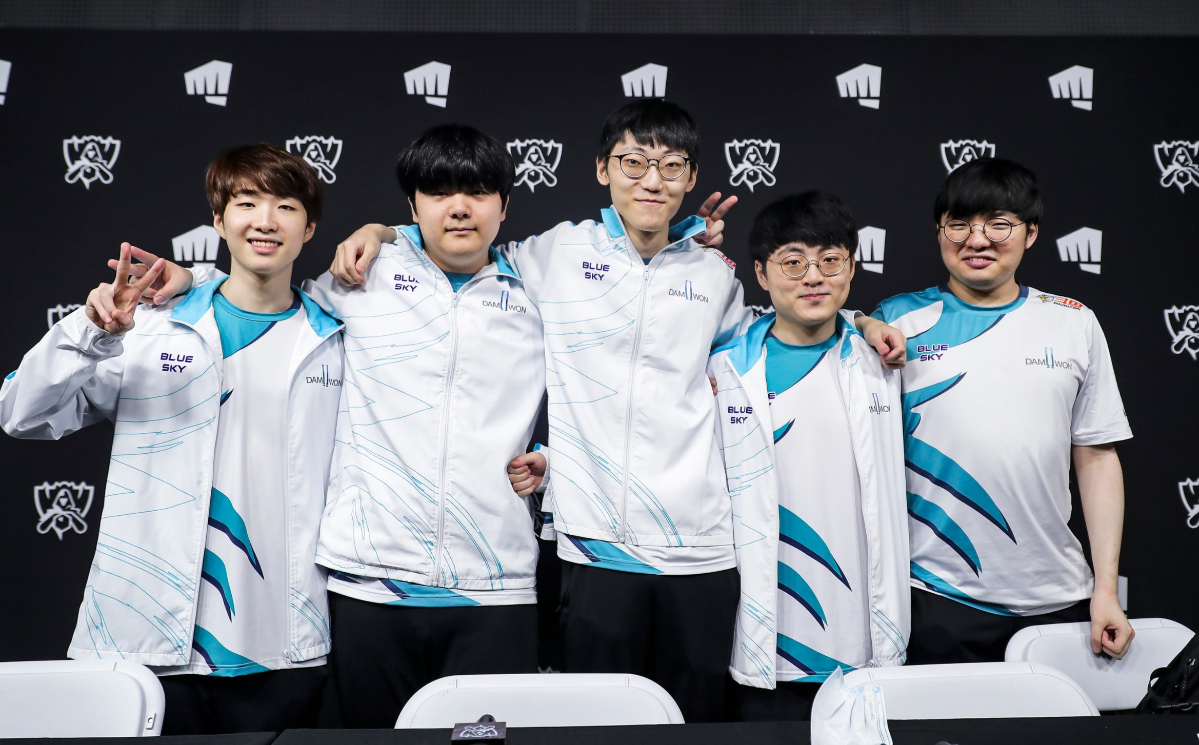 DAMWON Gaming topple over Suning in thrilling Worlds 2020 final, capture  Korea's first title in 3 years   Dot Esports