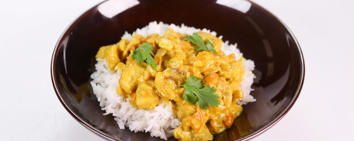 Clinton Kellys Cashew Chicken Curry Recipe The Chew