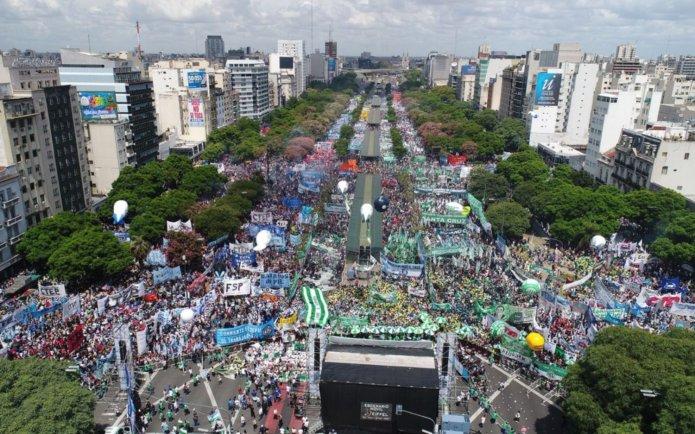 Resultado de imagen para Fotos de la manifestación en la avenida 9 de Julio y San Juan