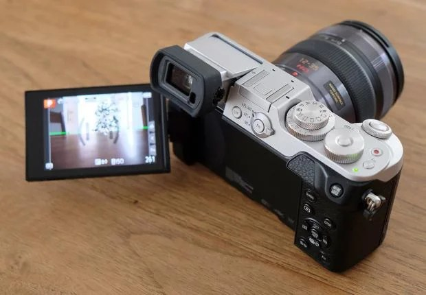 Panasonic GX8 articulated screen