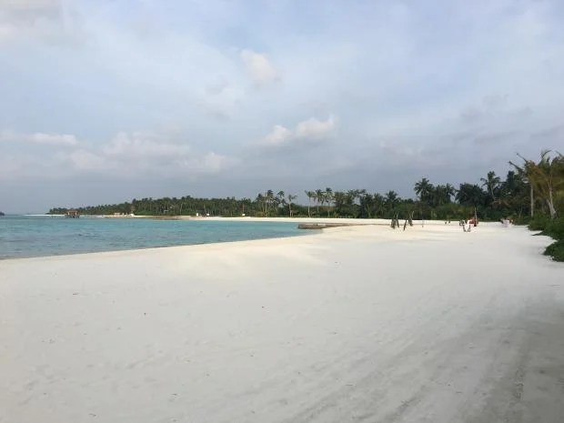 iPhone 6S Plus sample shot beach