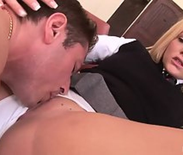 Bubble Ass Blonde Before Fucking Licked By Boyfriend