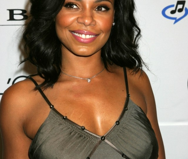 Lovely And Sensual Sanaa Lathan In Different Sexy Night Gowns
