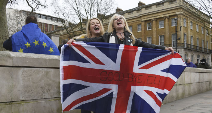 Concerns and Irony as Leave.EU Moves to Ireland After Brexit to Remain in EU