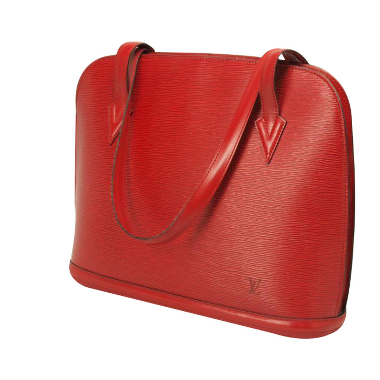 Sacs Main Louis Vuitton LUSSAC Cuir Rouge Ref33893