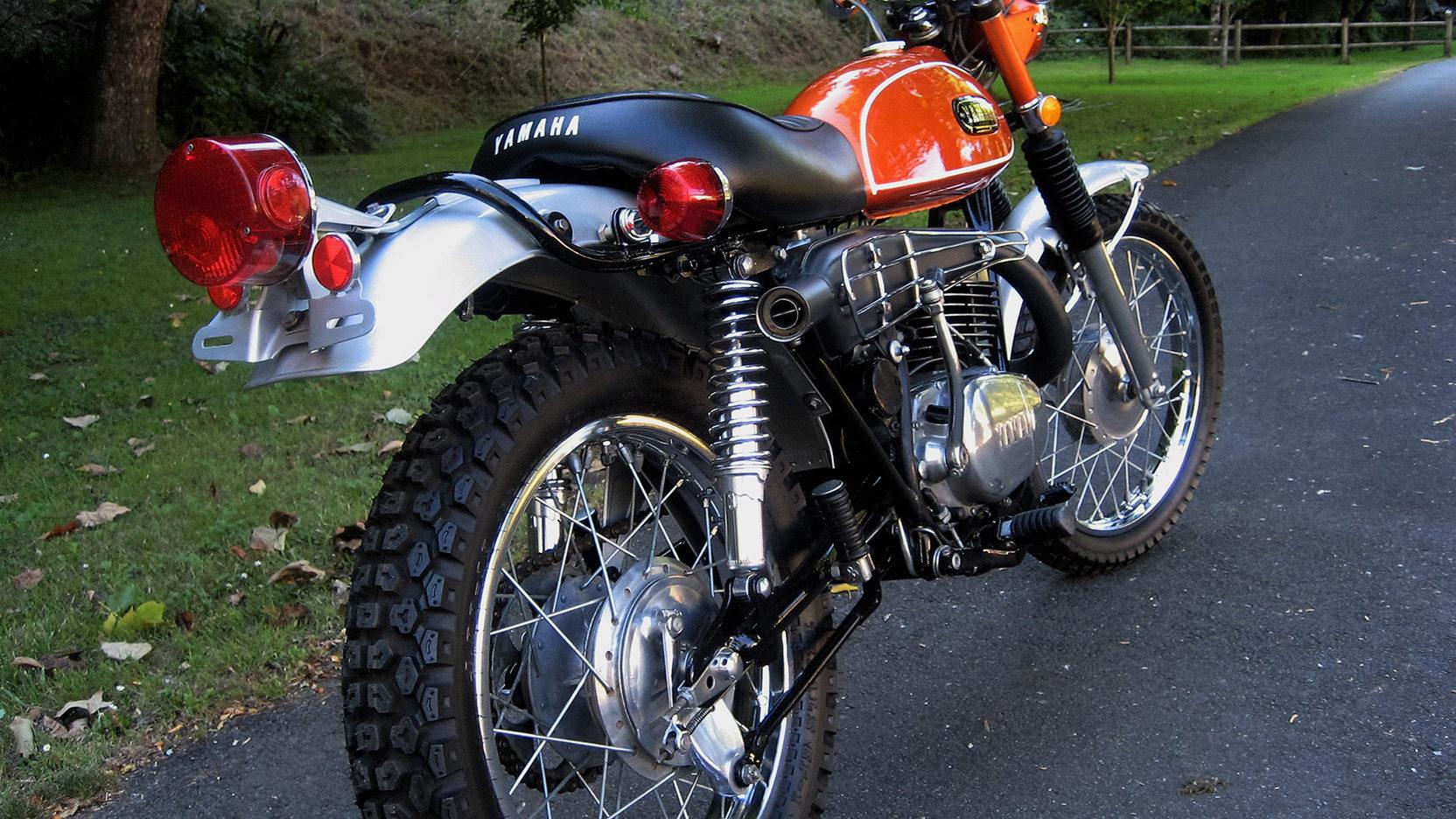 1971 Yamaha DT1E | T200 | Las Vegas Motorcycle 2017