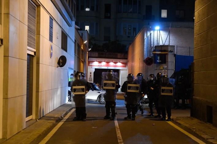 Rapçi Pablo Hasel tutuklandı, binlerce kişi sokaklara döküldü - 15