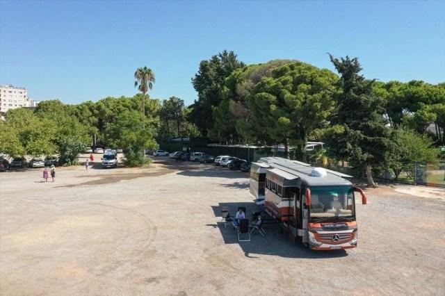 Gezme tutkusuyla hayallerinin peşinden gitti: Otobüsü lüks karavana dönüştürdü - 13