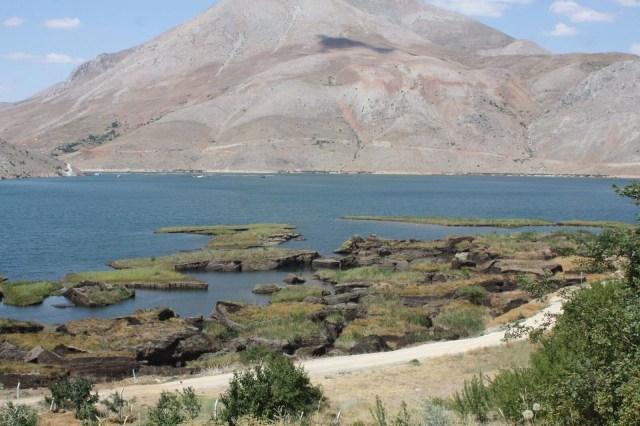 Baraj gölündeki yüzen adalar sabitlenecek - 8