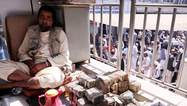 Afganistan'da ekonomi çökmek üzere: Halkın yalnızca yüzde beşi yeterli miktarda yiyeceğe erişebiliyor