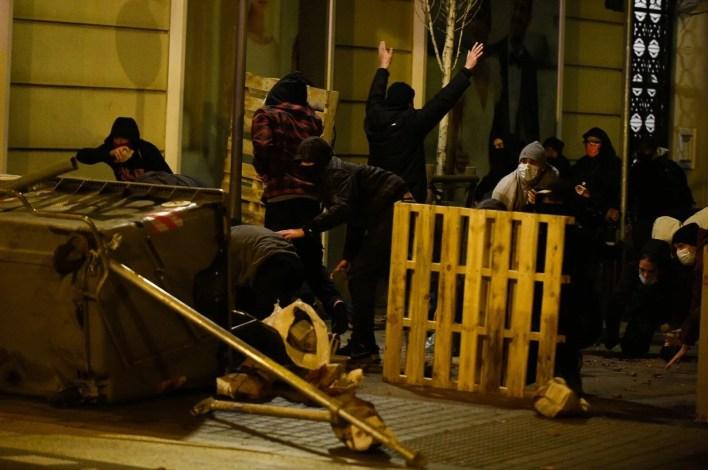 Rapçi Pablo Hasel tutuklandı, binlerce kişi sokaklara döküldü - 29