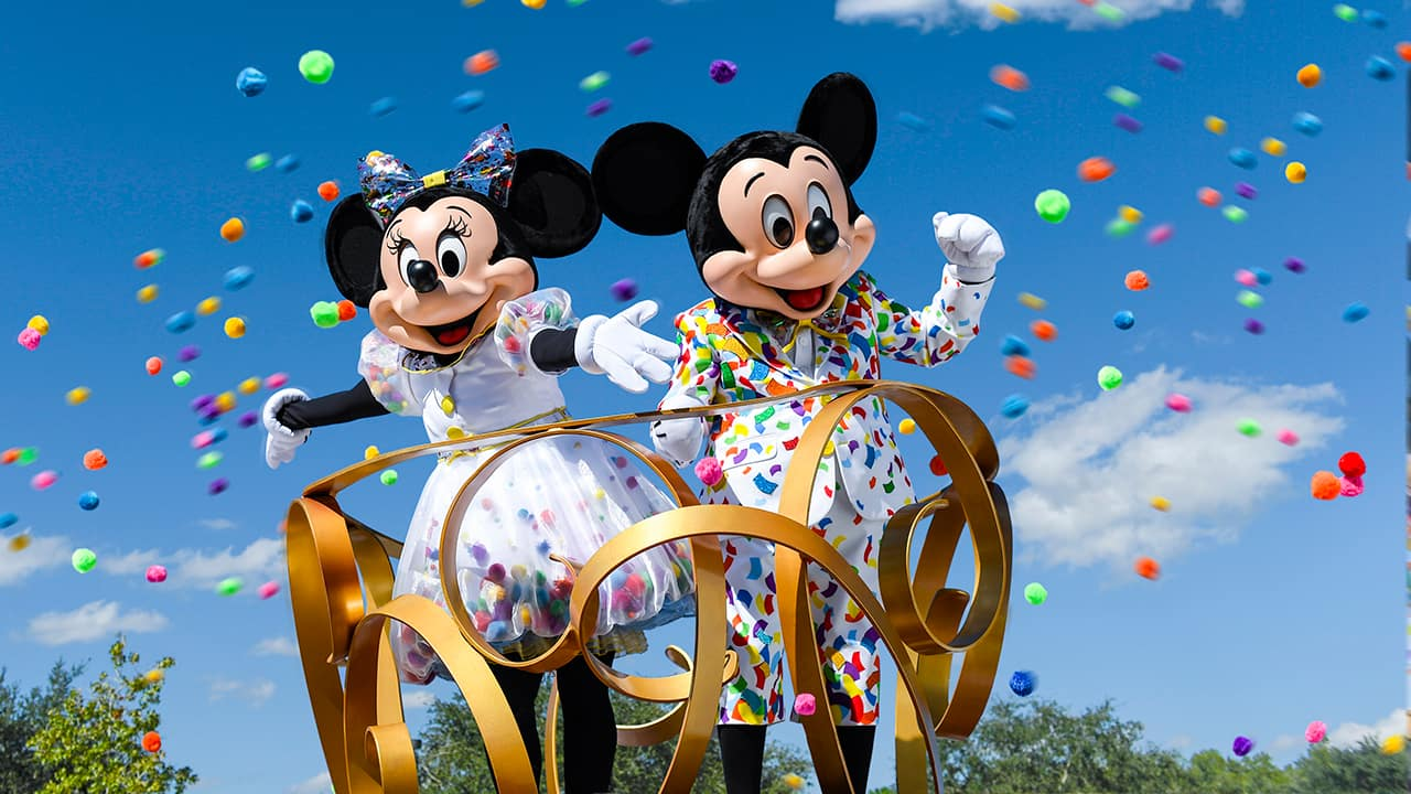 Moms Panel Monday Happy Birthday To Mickey And Minnie Mouse Disney Parks Blog