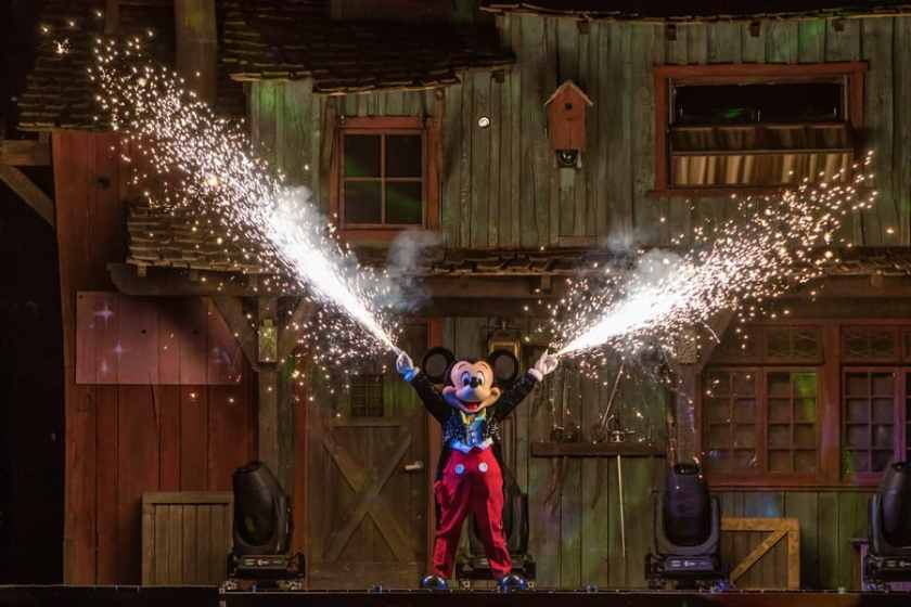 "Mickey Mouse en ""Fantasmic!"""