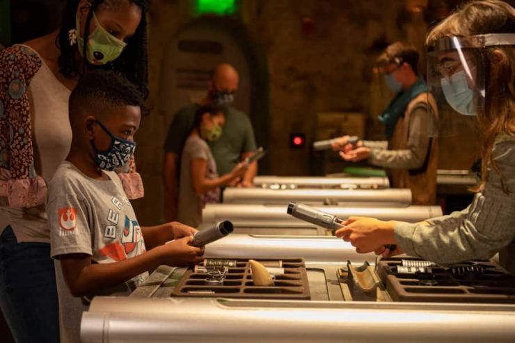 Savi's Workshop – Handbuilt Lightsabers in Star Wars: Galaxy's Edge at Disney's Hollywood Studios