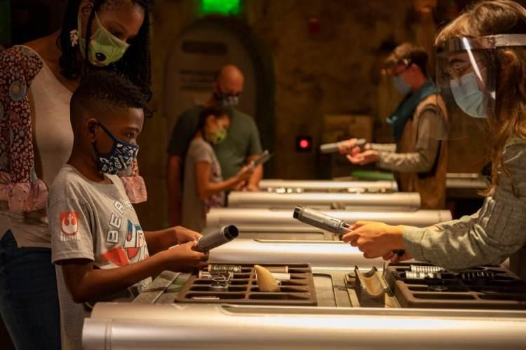 Savi's Workshop – Handbuilt Lightsabers in Star Wars: Galaxy's Edge at Disney's Hollywood Studios