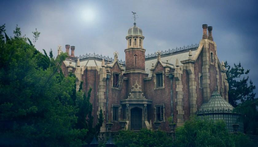 Mansión encantada en Tokyo Disneyland