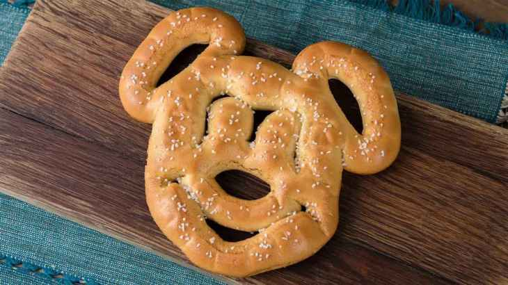 Mickey Mouse Pretzel with Cheese