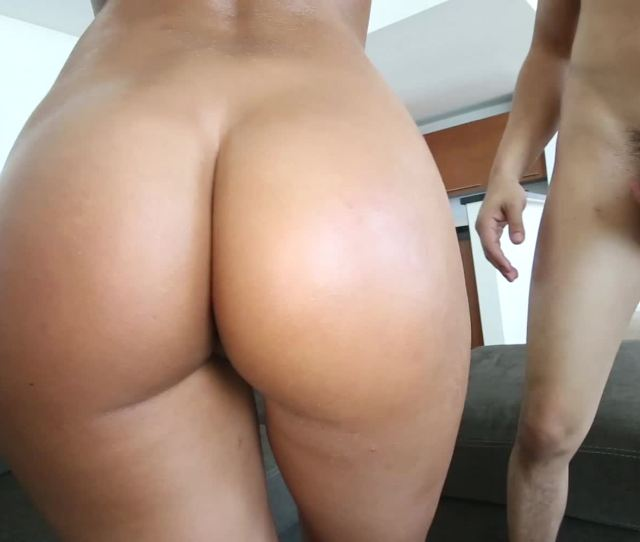 Stunning Big Booty Xxx Model Riding A Fine Dick On The Couch