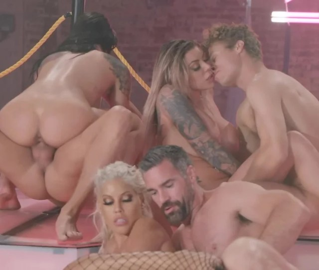 Awesome Brazzers House Orgy With Top Class Porn Actresses And Hanks