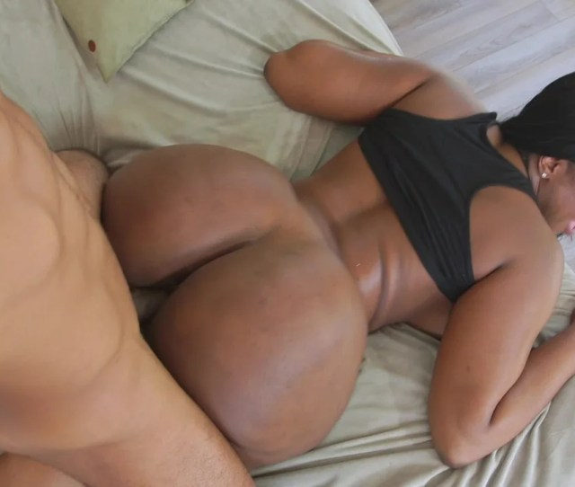 A Huge Ass Black Chick Is Getting Fucked And Cumshot On The Bed Pornid Xxx