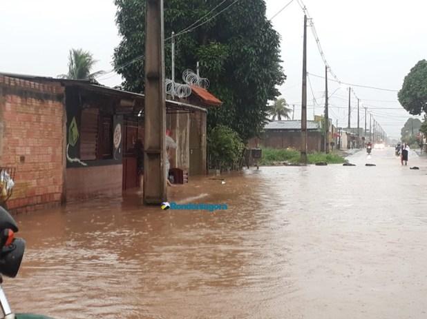 Em cerca de 4 horas, Porto Velho registra 25% de toda a chuva esperada para janeiro