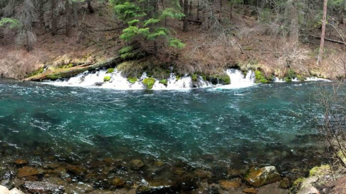 Magical falls along the Metolius River