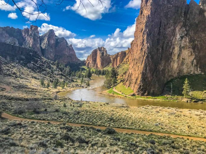 Smith Rock State Park in Oregon reminds me of Zion National Park in Utah