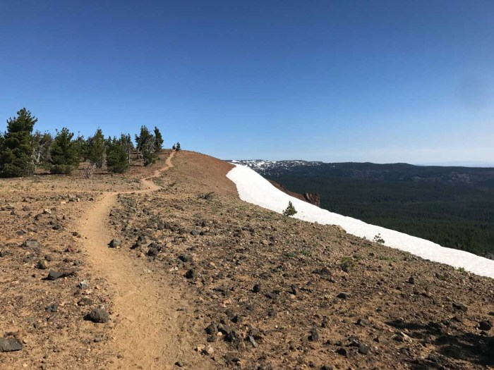 Trail rings the summit of Tumalo Mountain