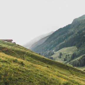 wandelen in oostenrijkse alpen