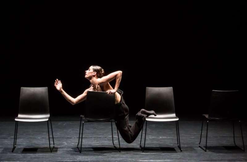 "Bruna Andrade dances Kinsun Chan's solo ""Silent Swan"".  Photo: Jeanette Bak / GD"