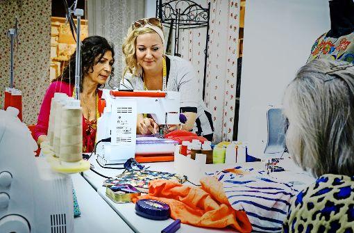 Die Tipps der Fachfrau für die Wahl des Nähprogramms sind wichtig. Foto: Lg /Zweygarth