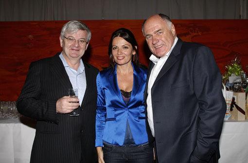 Politisch alte Gefährten, geschäftlich neuerdings Konkurrenten: Rezzo Schlauch (rechts, mit Ehefrau Ema) und Joschka Fischer Foto: Rudel