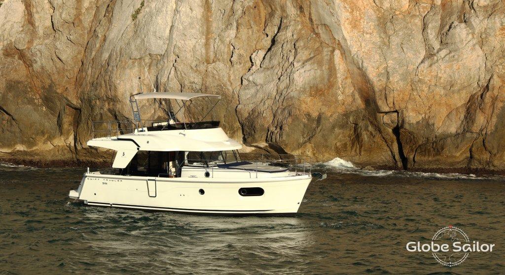 Swift Trawler 35 Boat Specification Swift Trawler 35