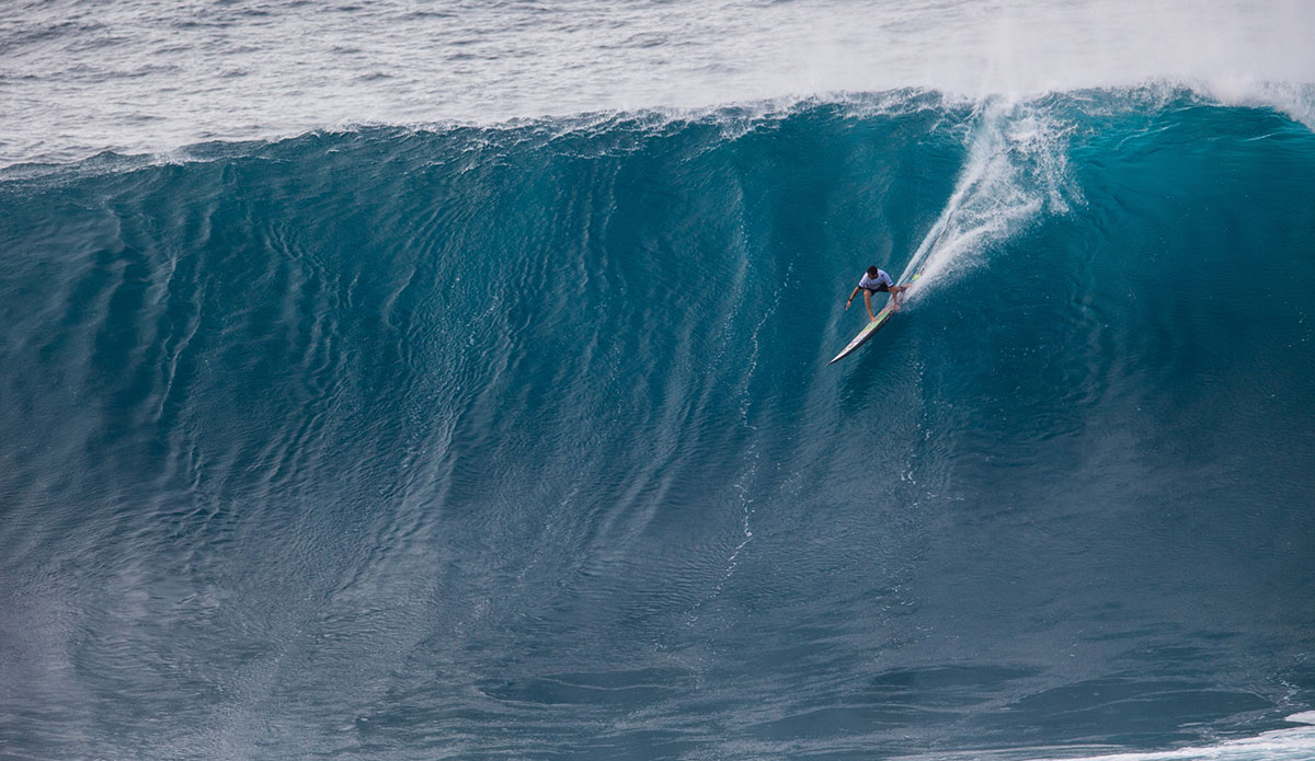 21 Ridiculous Photos From The Peahi Big Wave Challenge