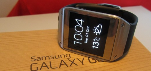 Gear display hed 520x245 Apple and smartwatch rivals stand to benefit from Samsungs Galaxy Gear marketing push