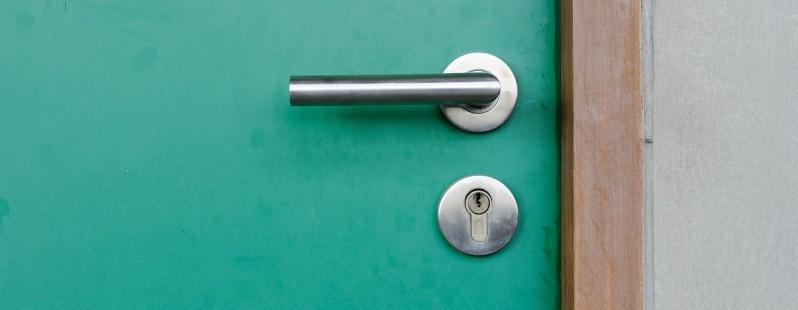 closed door lock