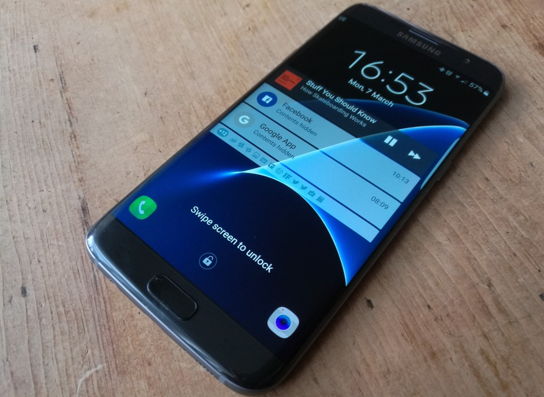 Resultado de imagem para Samsung Galaxy S7 Edge