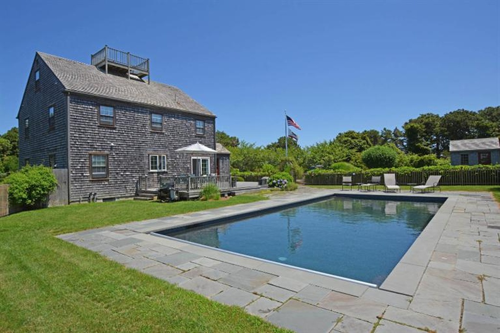 Here S What El Pres S New House On Nantucket Looks Like