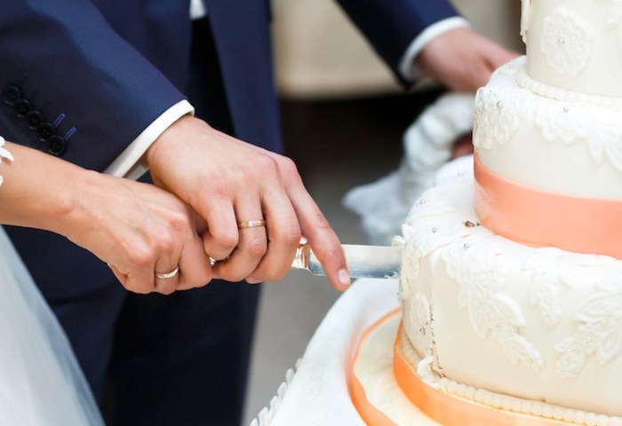 Does Having A Fake Wedding Cakeand Serving Your Guests Sheet Cake