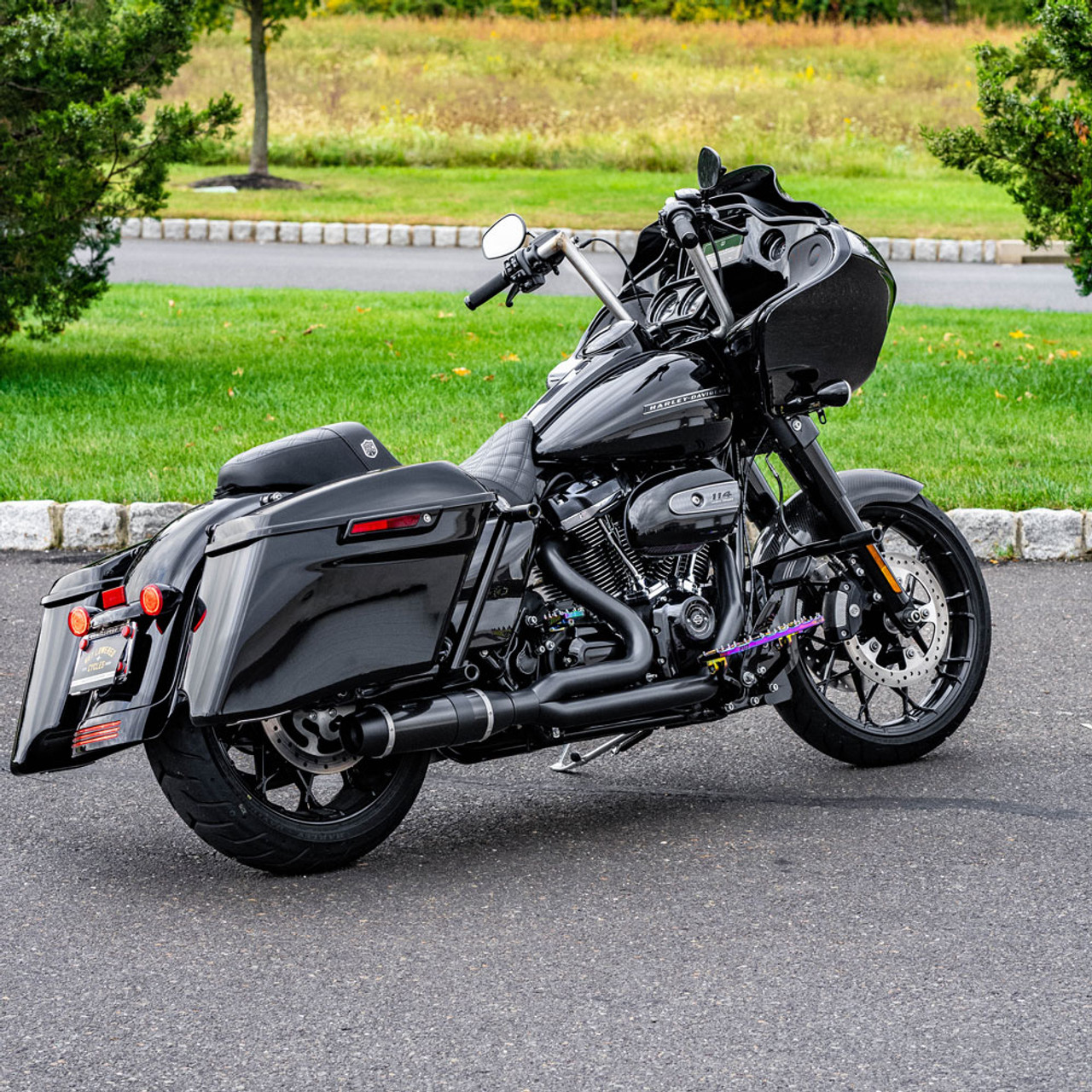d d carbon fiber bob cat 2 into 1 exhaust for 2017 2020 harley touring black