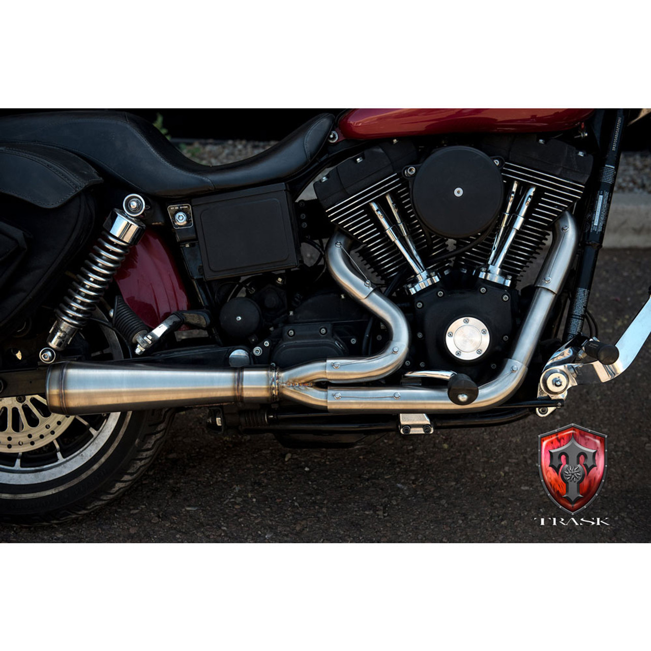 trask assault 2 into 1 exhaust for 1991 2005 harley dyna