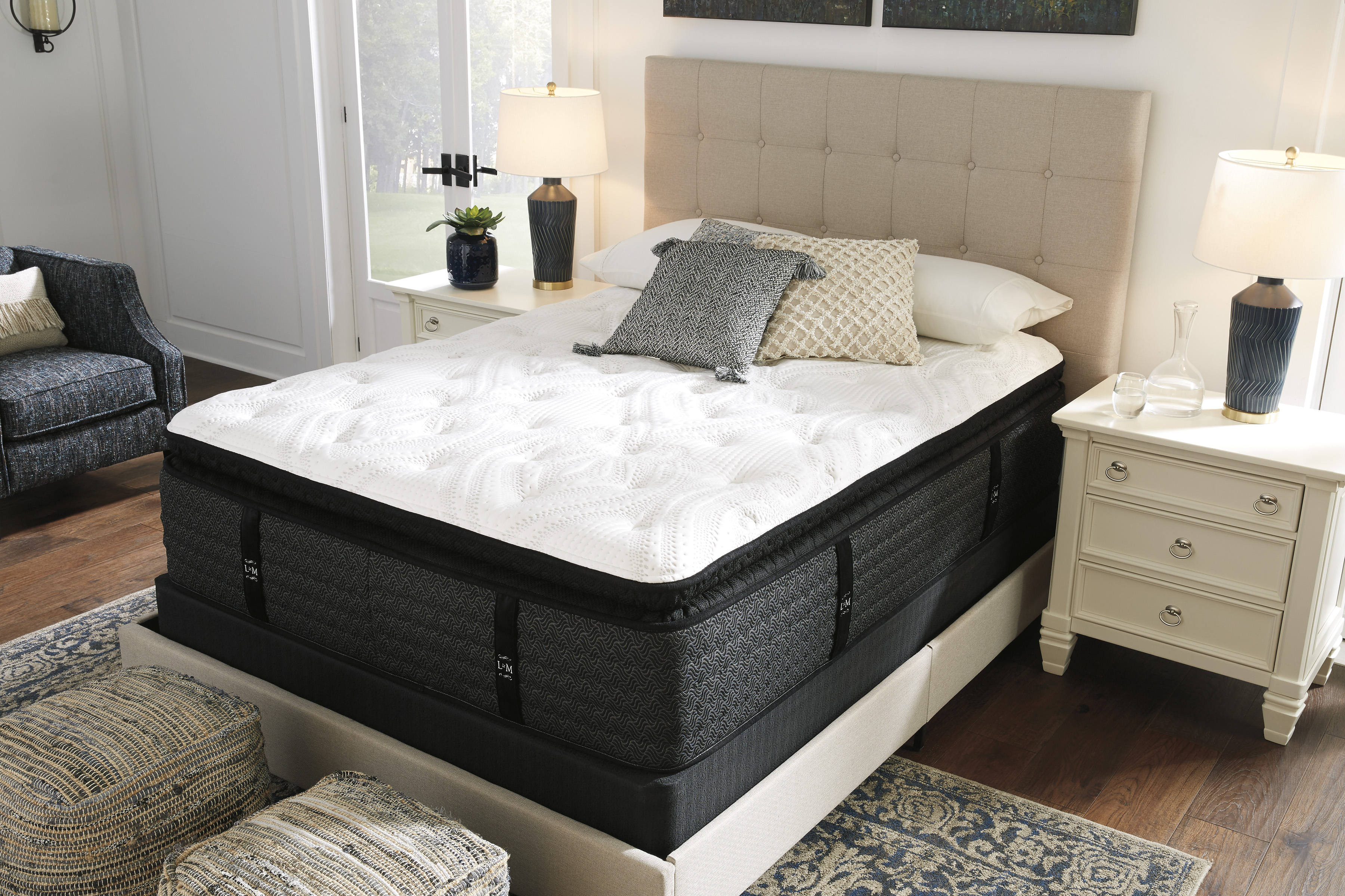 the loft and madison ultra plush pillow top 17 mattress set