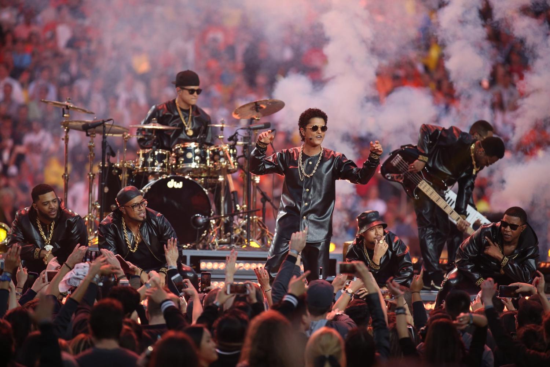 Bruno Mars Et Ses Danseurs Lady Gaga Gisele Bndchen