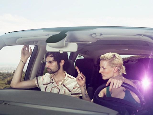 Discutir peligroso al volante