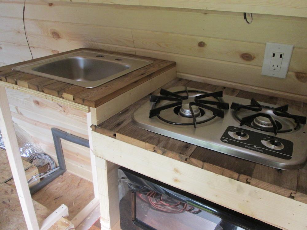 Building the Kitchen (Part 3)