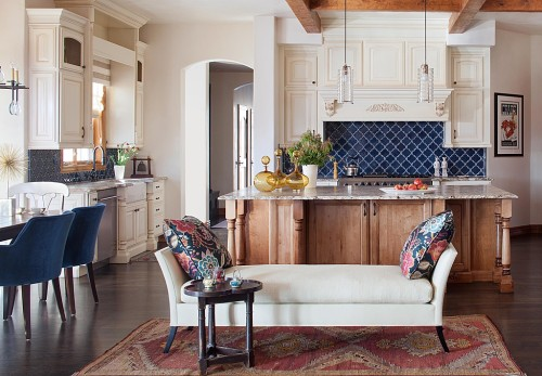 Zillow's Dig This Trend: French Flair chaise with blue kitchen backsplash
