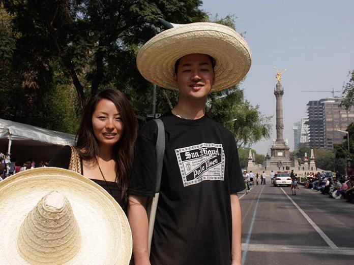 Resultado de imagen para turistas japoneses en mexico